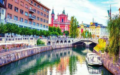 Kayak & Stand up Ljubljana City Tour